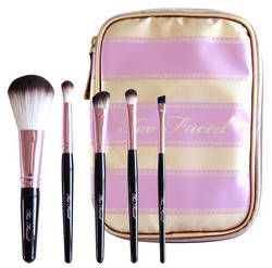 pinceau too faced