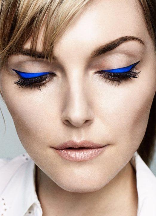 eye liner bleu